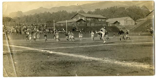 Berkeley High School Rugby Team, 1911 October 28.