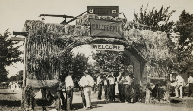 Entrance to Picnic Day festivities, circa 1924